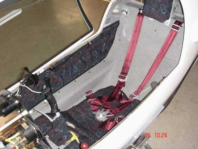 Cockpit restauré - OO-ZGT