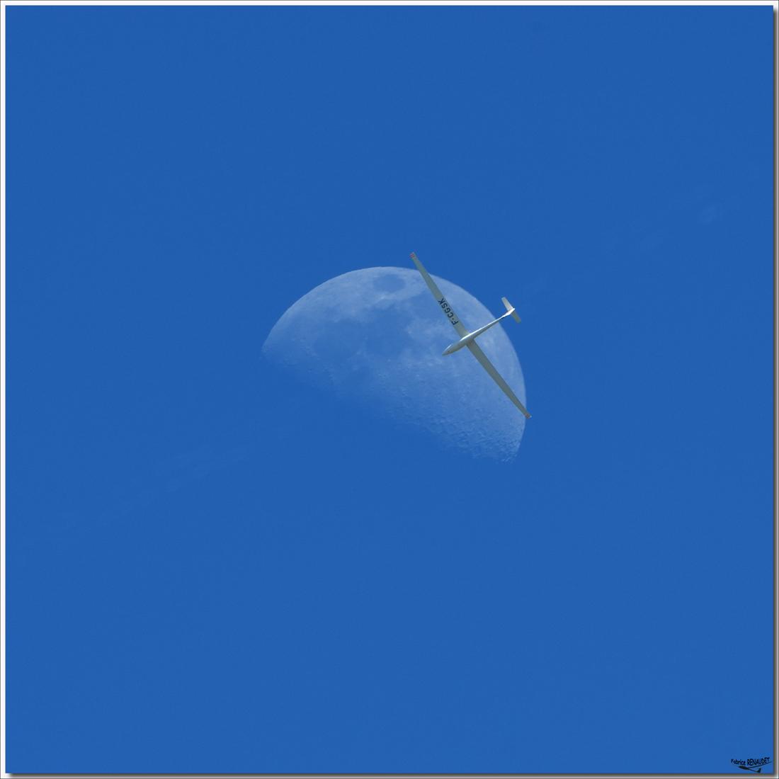 Moon & Pegase